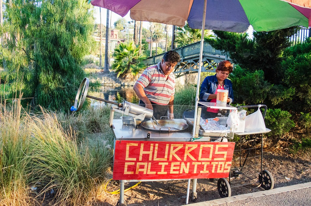hanhgry.com | churro vendor at the lake