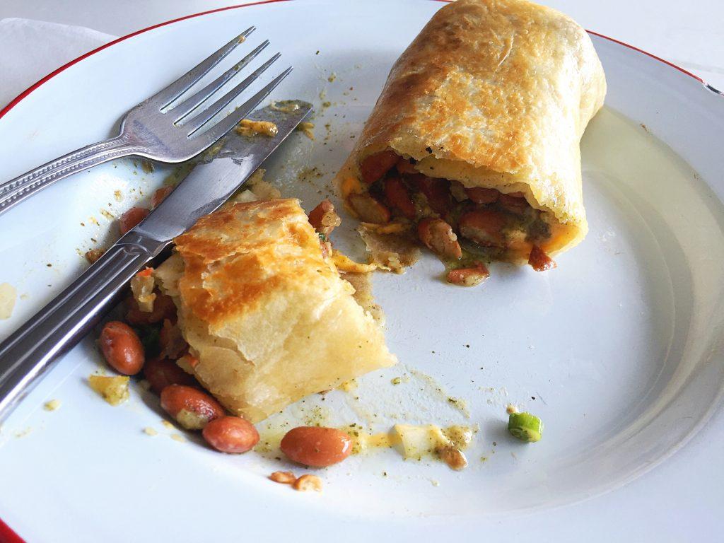 hanhgry.com   trois familia: french bean and cheese burrito, interior
