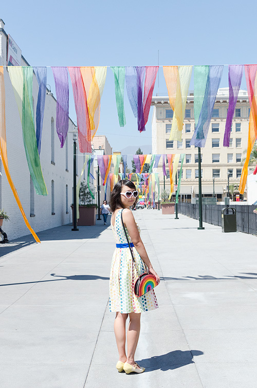 hanhgry.com | bold pas outdoor art outfit under Rainbow Gates