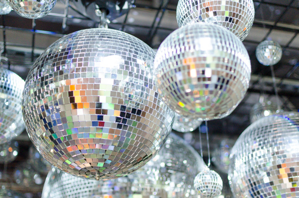 hanhgry.com | color factory silver room with disco balls