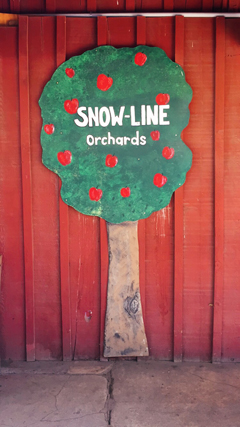 hanhgry.com | snowline orchards sign