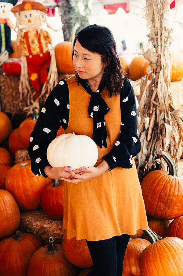 hanhgry.com | holding a white pumpkin at pumpkin patch in pasadena, ca