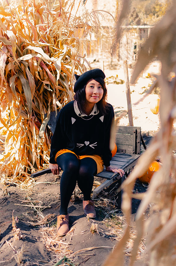 hanhgry.com | cat beret and sugarhill boutique cat sweater at riley's farm pumpkin patch